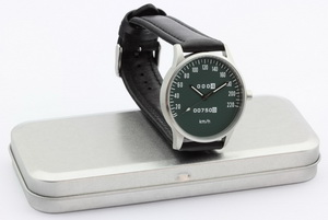 CB 750 speedometer kmh watch with green dial