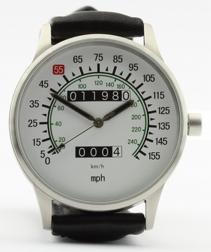Vmax speedometer watch with mph and km/h dial